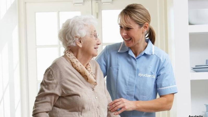 Servicios de ayuda a domicilio para personas mayores y servicio domestico para familias en Asturias. Centros en Oviedo y Avilés